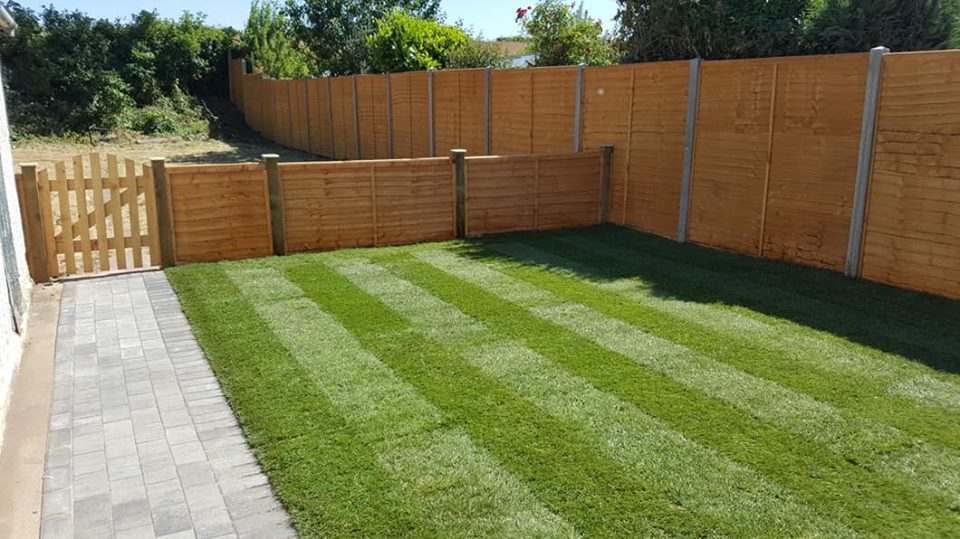 Another beautiful project completed, lots of fencing, turf and superb premier paving